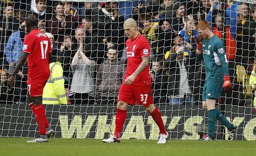 Thủ môn Bogdan và Skrtel (giữa) phạm sai lầm khiến Liverpool thua sớm. Ảnh: Reuters.