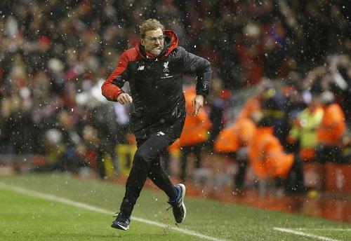 Pha chạy mừng bàn thắng gỡ hòa 3-3 của HLV Jurgen Klopp cuối trận. Ảnh: Reuters.