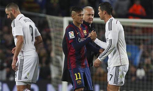 Real được cho là muốn tái hiện một thương vụ động trời với Neymar, như cách họ từng nẫng Luis Figo khỏi Barca năm 2000.