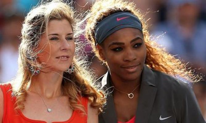 Serena vượt mặt tiền bối Seles. Ảnh: Internet.