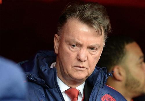 Van Gaal ngày một gây thất vọng cho CĐV Man Utd. Ảnh: Reuters