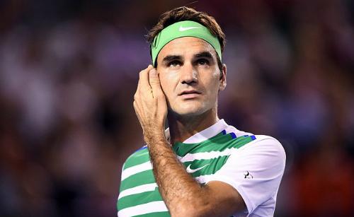 Federer quyết định lùi ngày tái xuất. Ảnh: EPA.