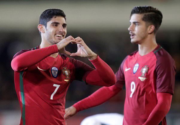 Bồ Đào Nha thắng đậm 3-0 trước Saudi Arabia