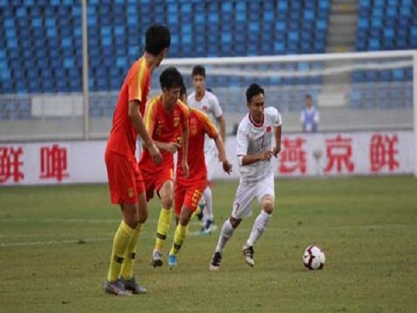 Bóng đá Trung Quốc gỡ thể diện sau thua Việt Nam